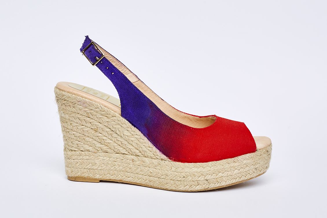 Cuña de mujer rojo y violeta
